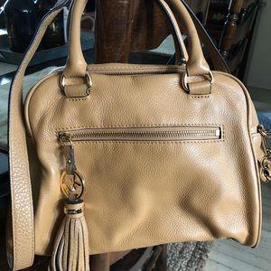 🍁 Authentic Michael Kors leather camel purse Bag